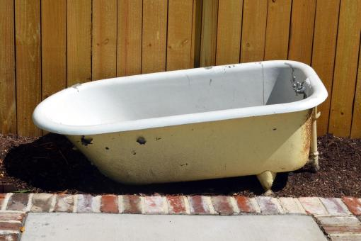 Bath tub 3